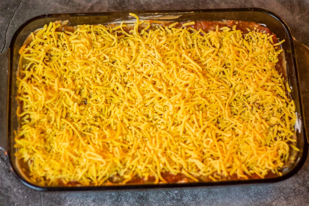 mexican bean dip /cheese layer