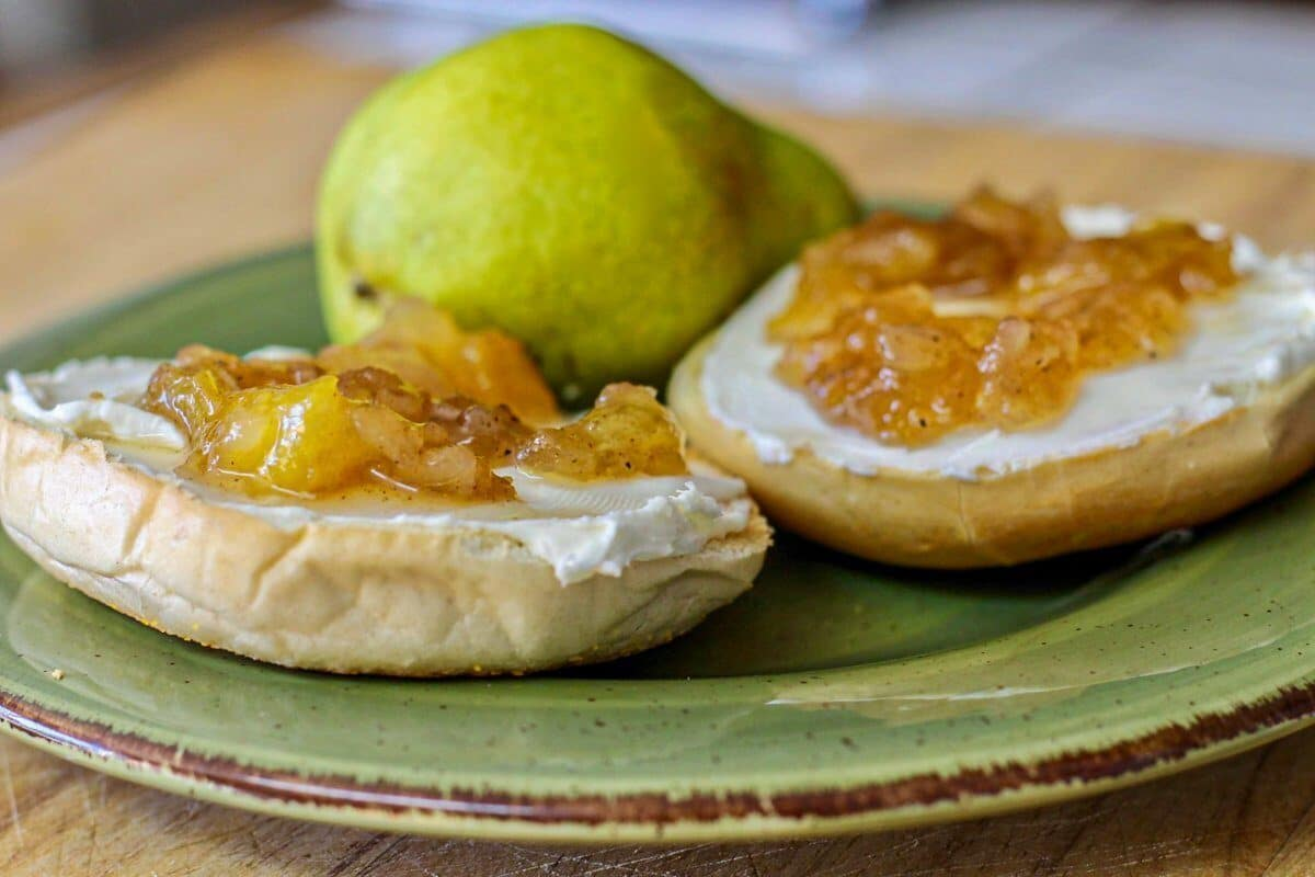 apple pie preserves on a bagel
