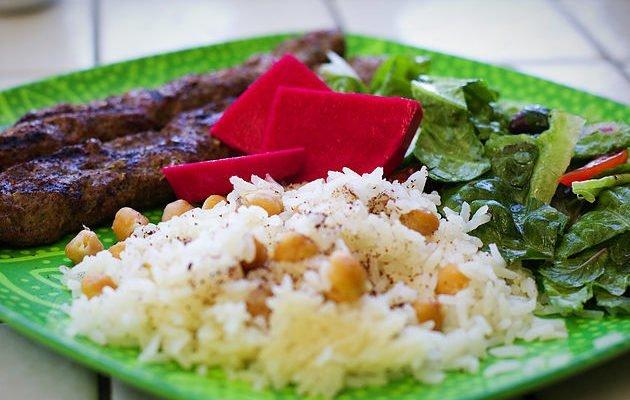 Chickpea Rice (Riza't Khirtimane)
