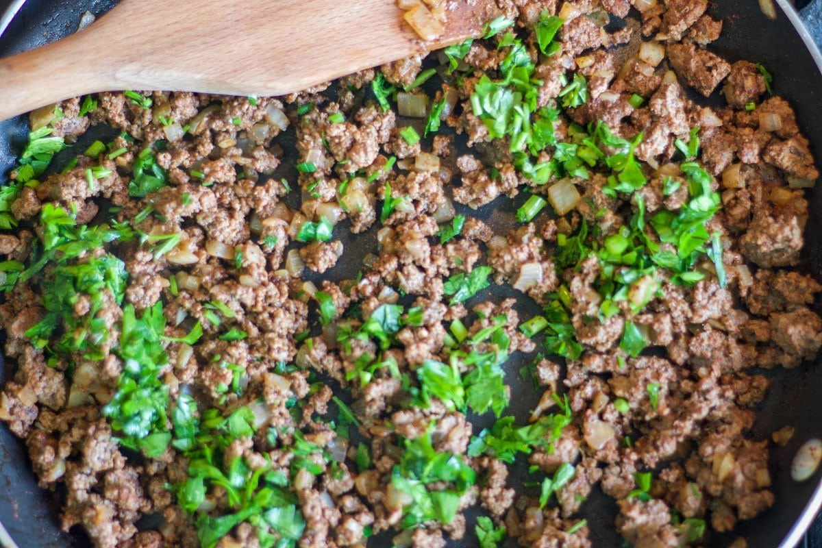 ground meat and parsley