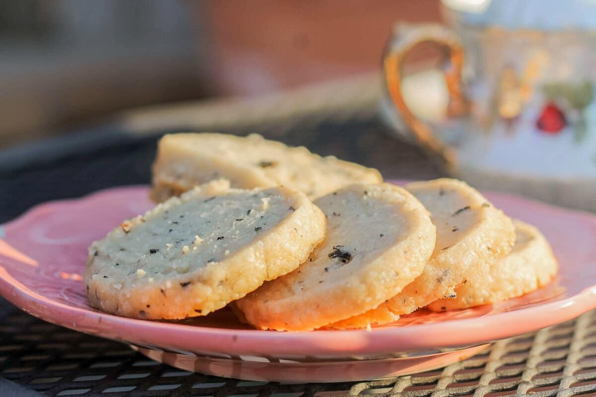 vegan shortbread cookies and tea
