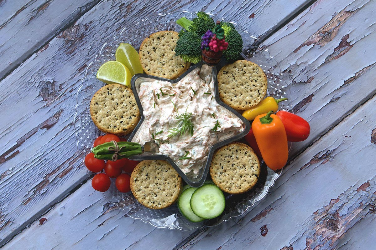 smoked salmon dip with veggies