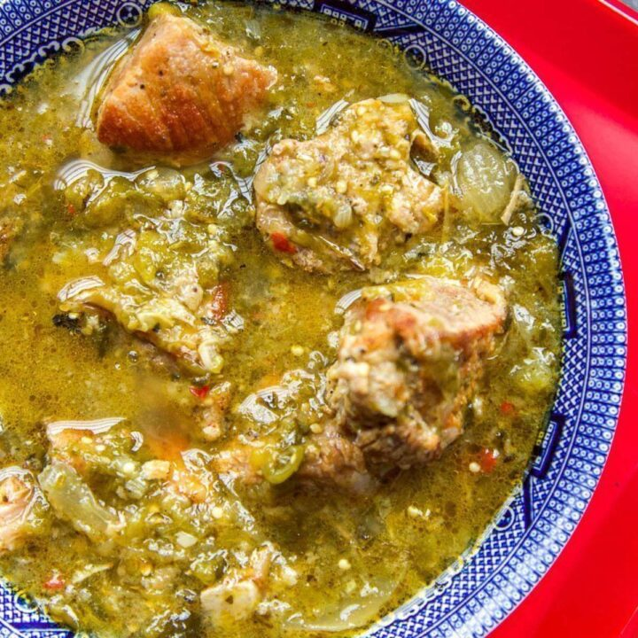 instant pot chili verde in blue bowl
