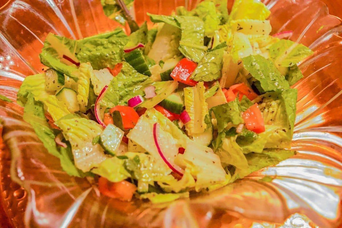 zalata/salad in a glass bowl