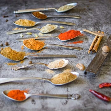 baharat seasoning in spoons