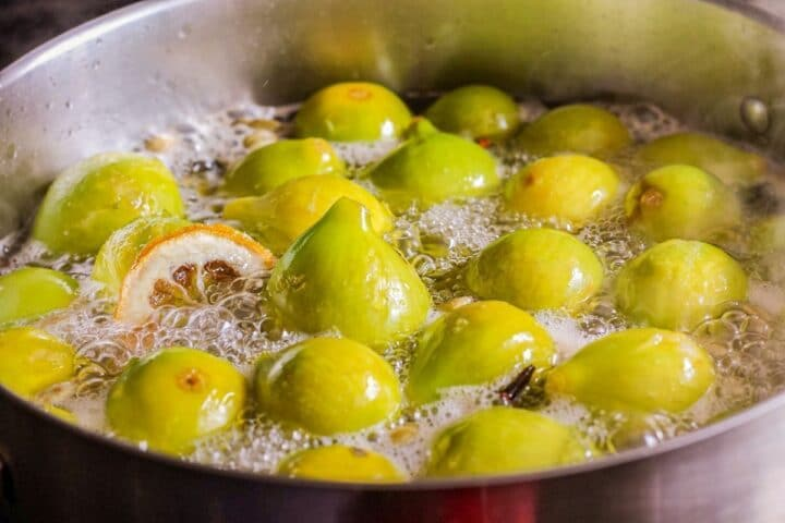 figs in a pot of syrup