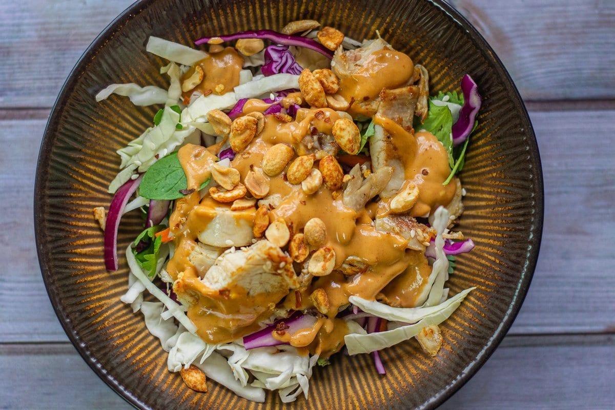 asian salad with peanut sauce