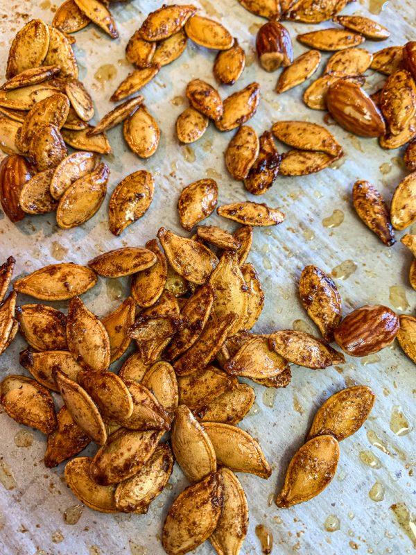 baked cinnamon pumpkin seeds
