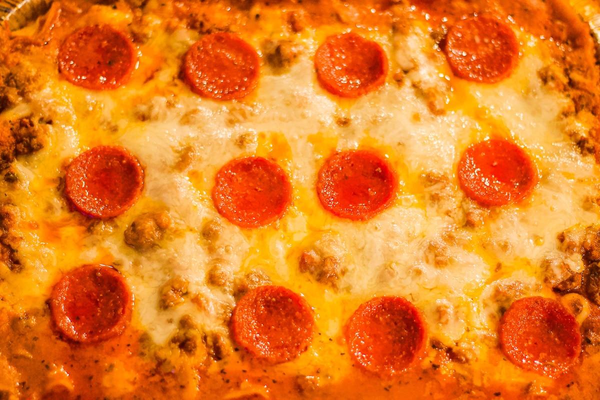 baked lasagna with peperoni