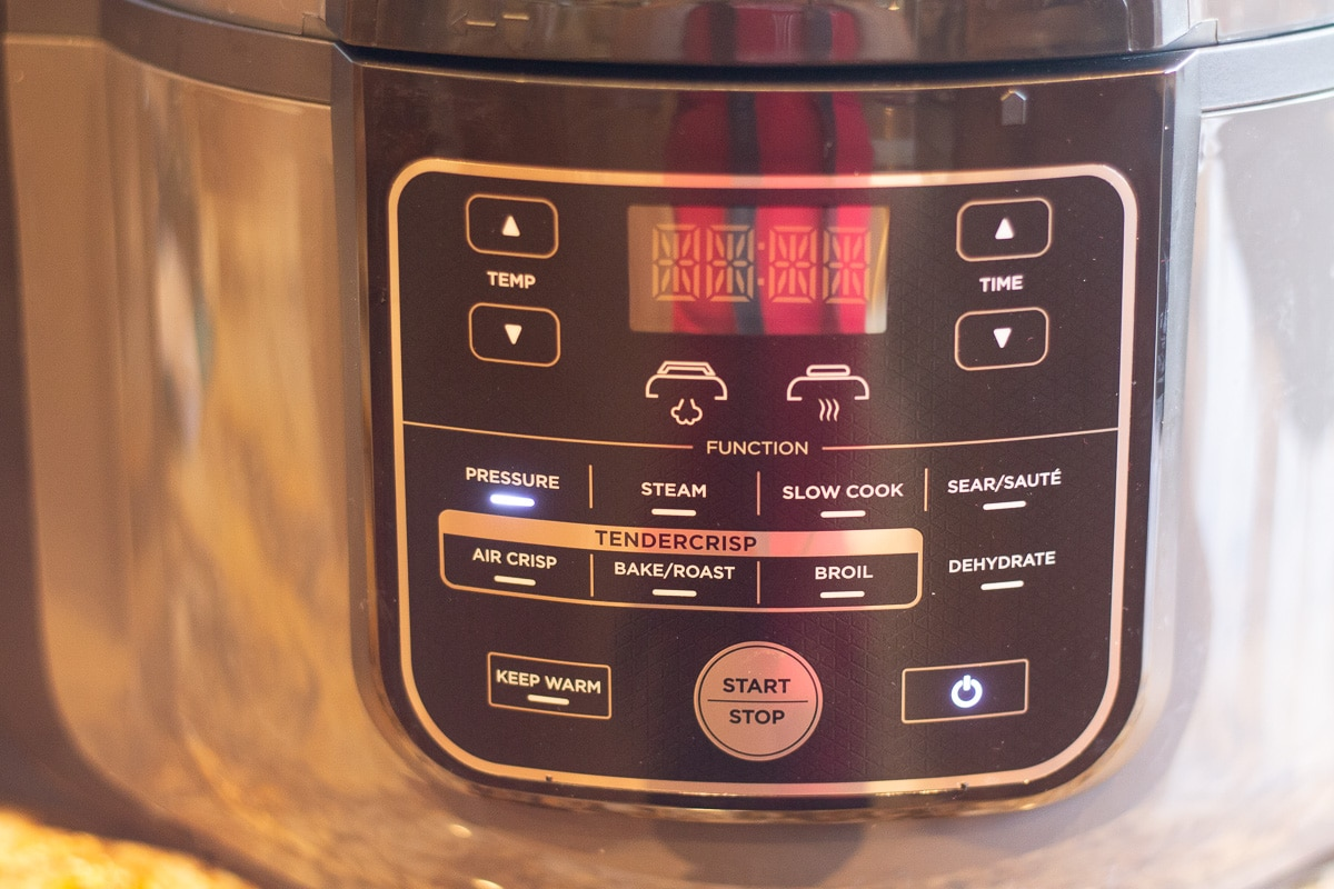 instant pot set to pressure