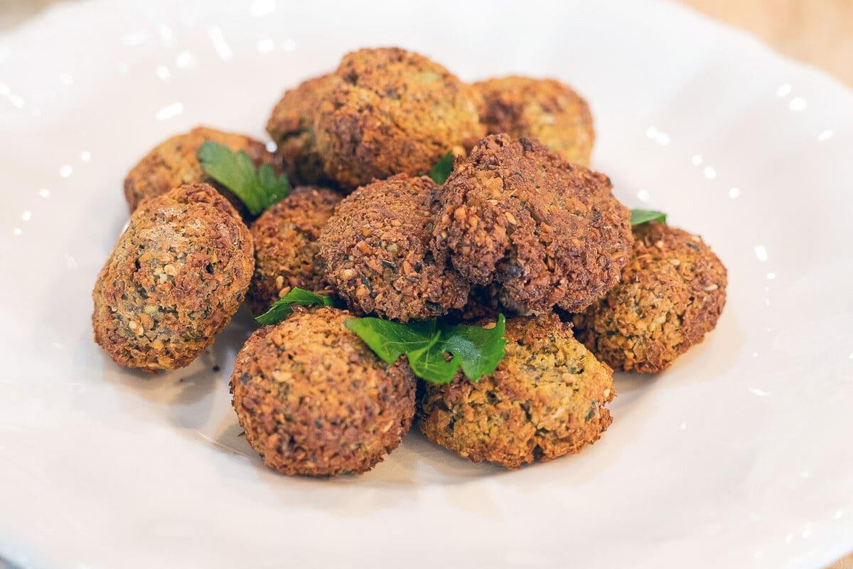 Easy falafel recipe; falafels on a white plate