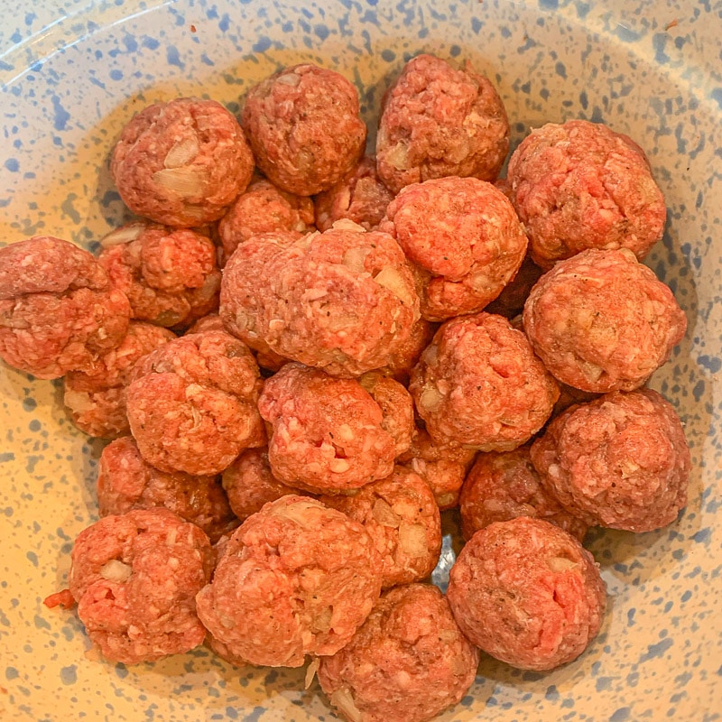 meatballs in a a bowl