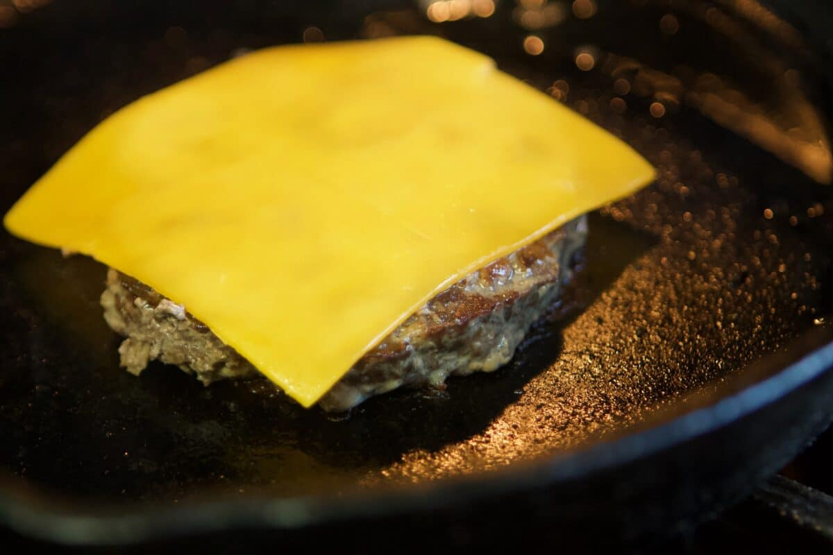 cheeseburger in a pan