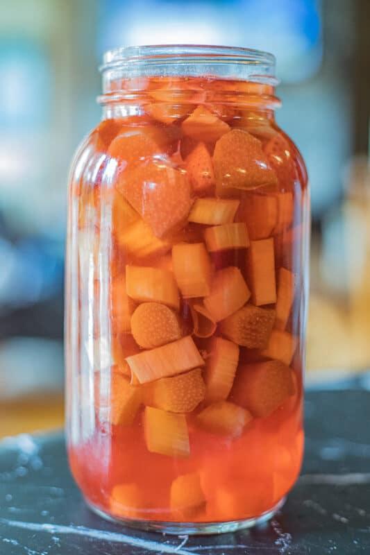 rhubarb gin in a mason jar