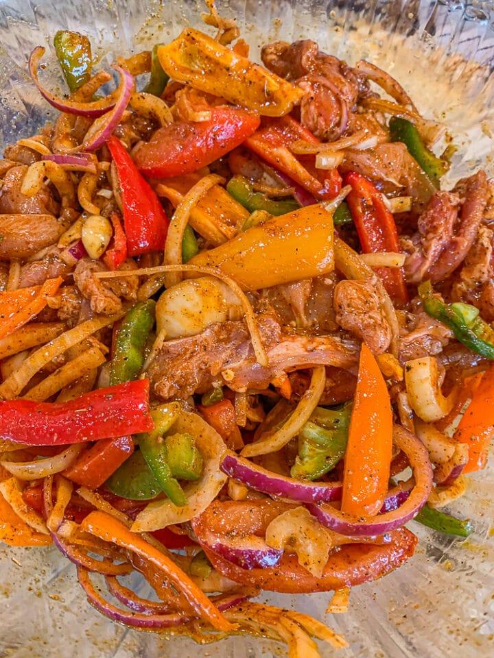 seasoned chicken fajitas (raw)