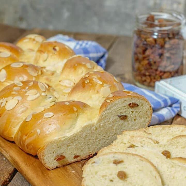 German Rosinenbrot (Raisin Bread)
