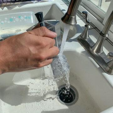 running a Moka Pot under running water