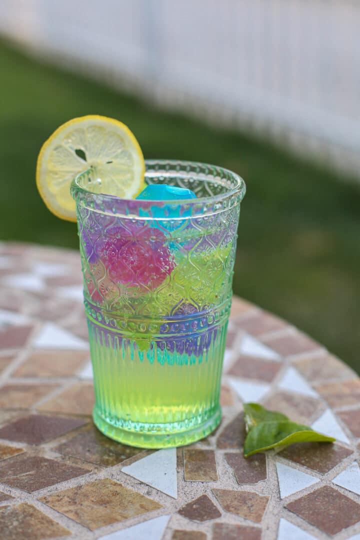 close up of limoncello spritz