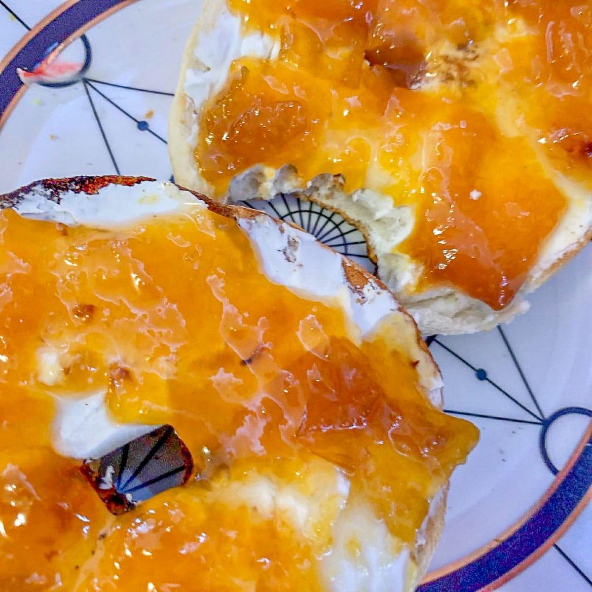 peach preserves on bagels